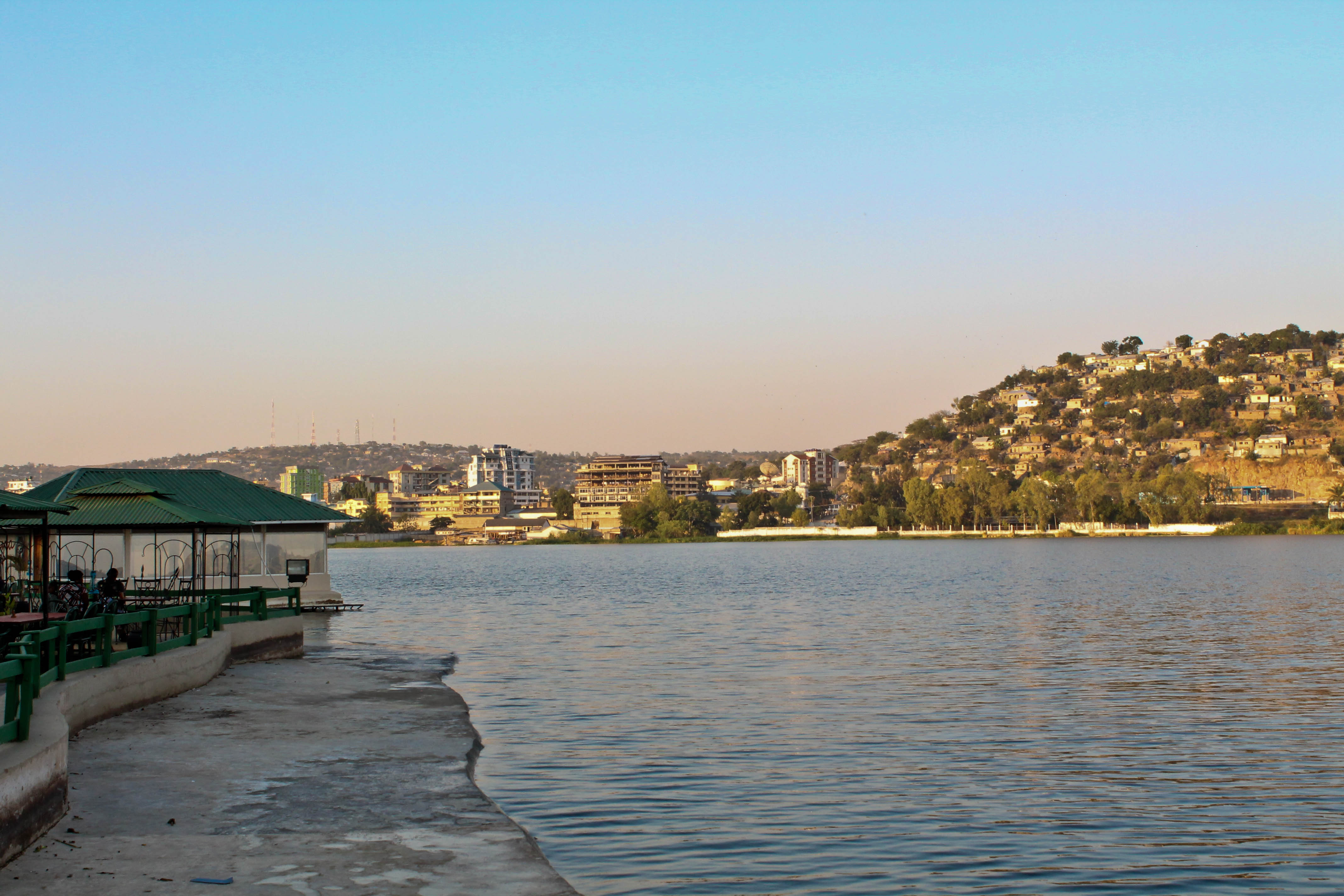 the pink backpack travel blog- mwanza, tanzania sunset photos of lake victoria