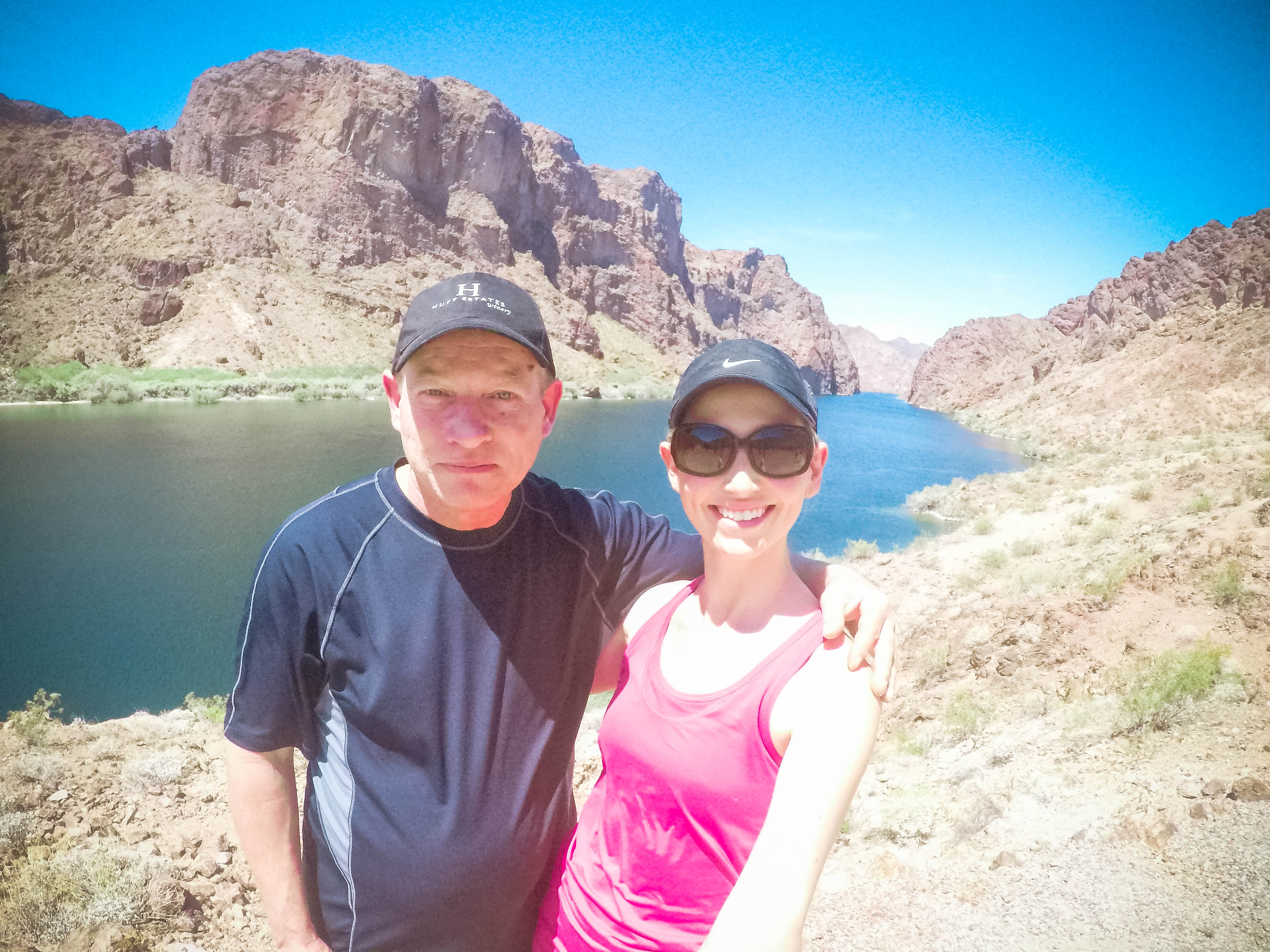 Dad and daughter kayaking in arizona